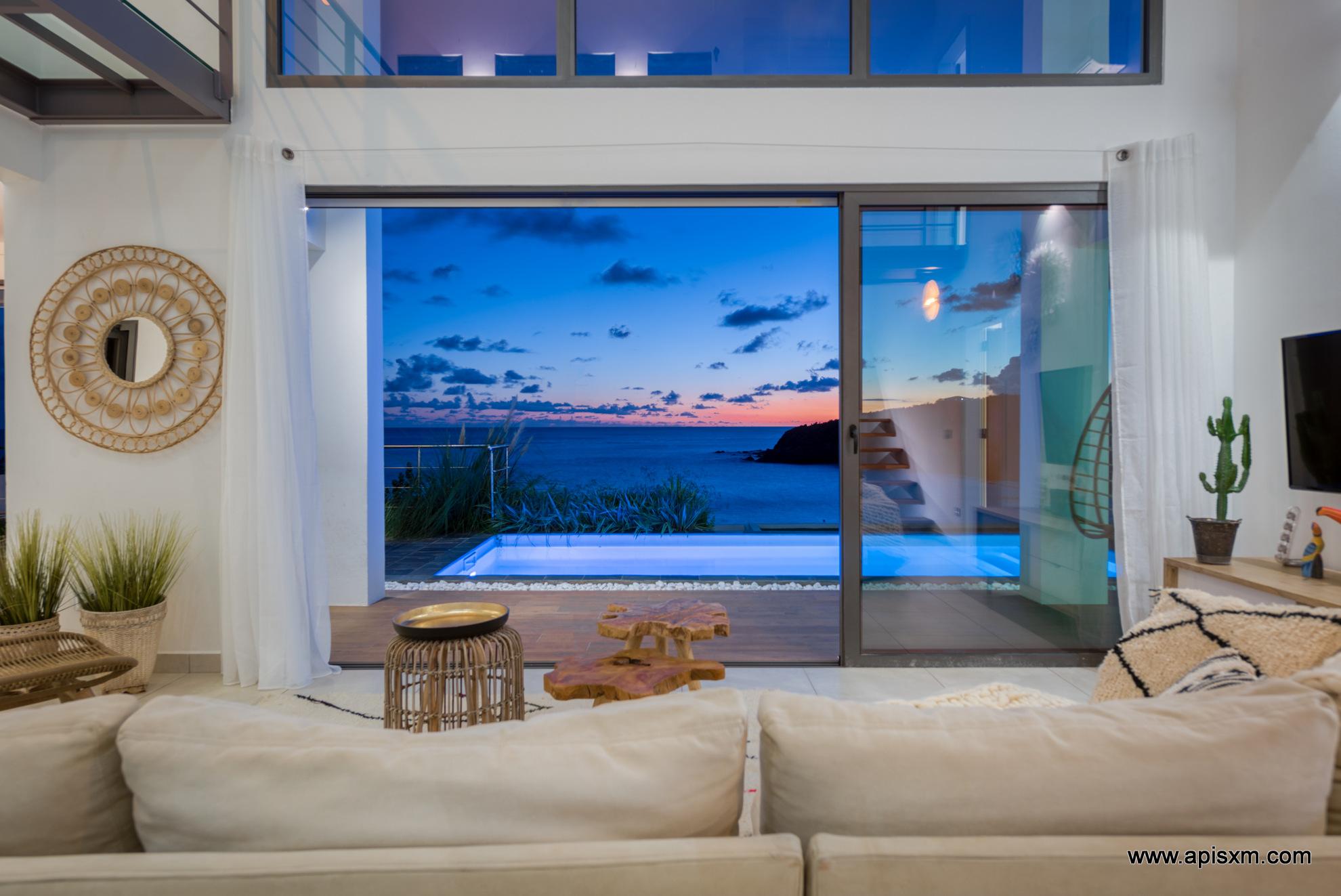 Indigo Bay Spring Sea Lounge