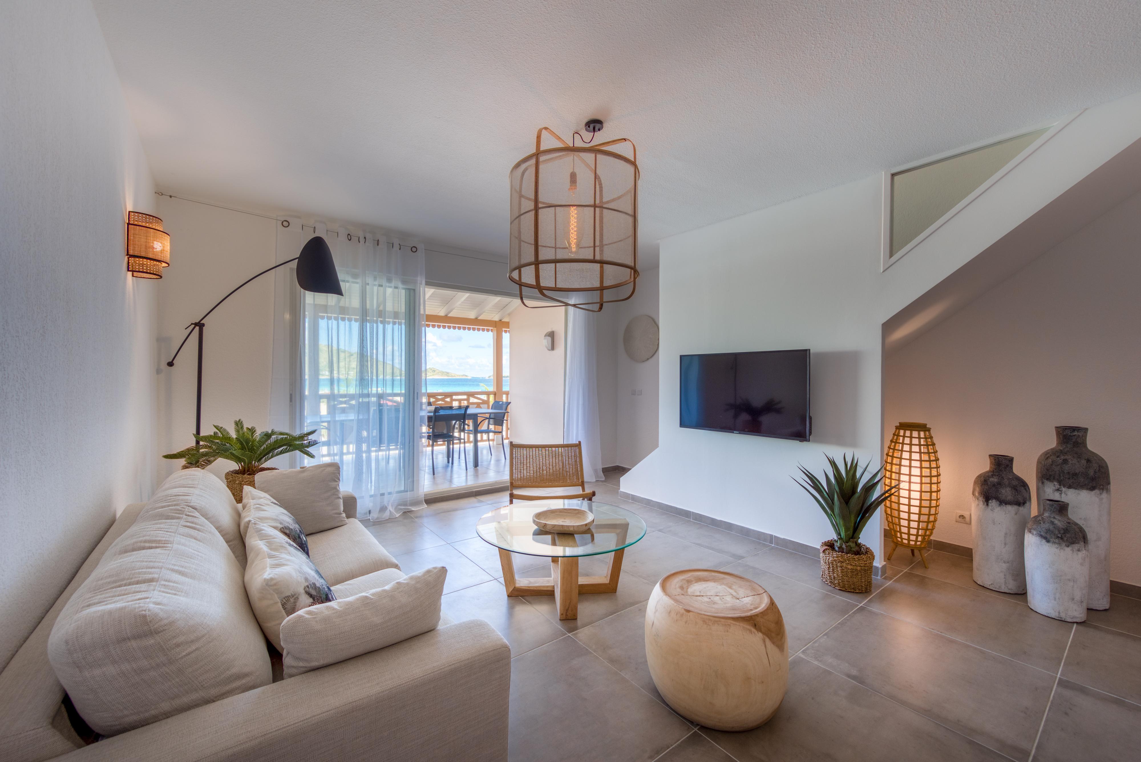Luxurious 3 bedroom Duplex on Orient Bay beach